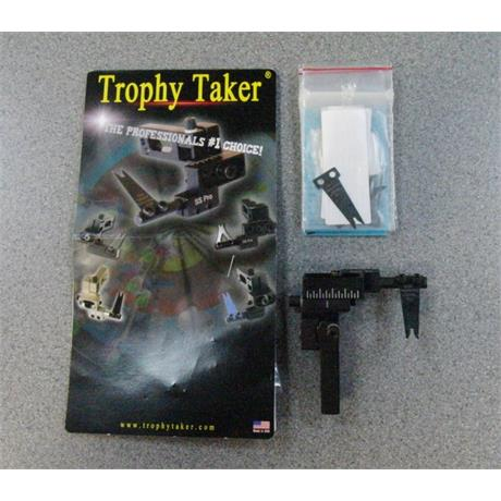 Trophy Taker SS Pro Launcher + 6 Blades Image 1